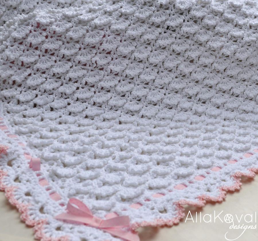 Crochet Patterns Of Baby Blankets : Fluffy Clouds. Crochet Baby Blanket Pattern for Babies ...