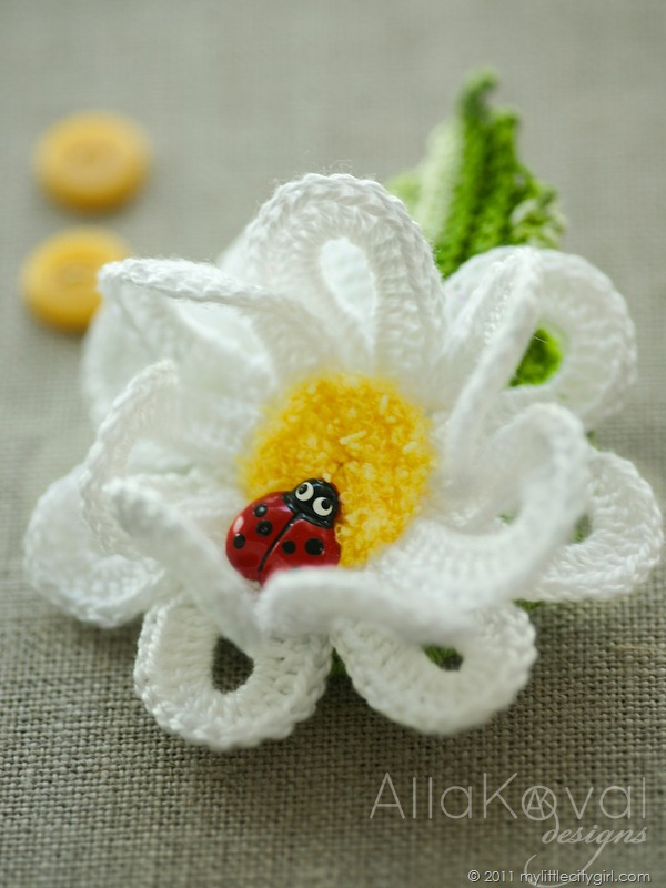 Crochet Small Daisy Flower Pattern : Garden Party Crocheted Hat & Flowers Pins. Pattern Update ...