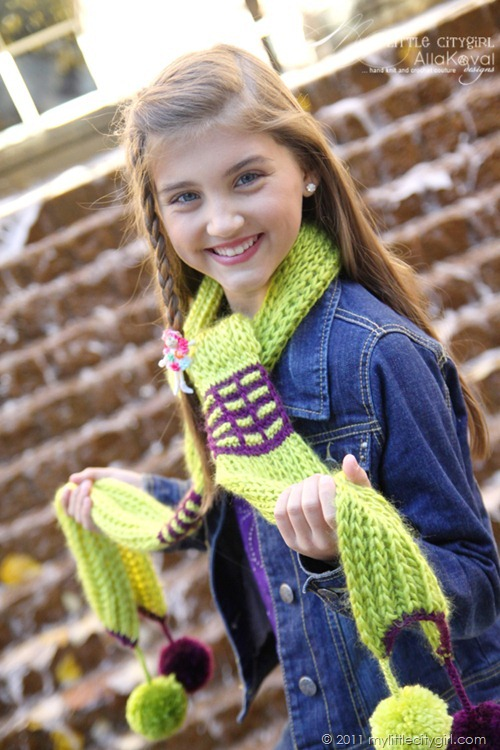 Paint The Town Scarf01